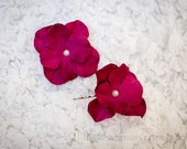 Set of 2 purple hydrangea bobby pins with pearl centers