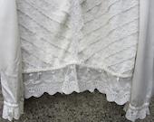 1970s Victorian BOHO Lace blouse white lace top S M