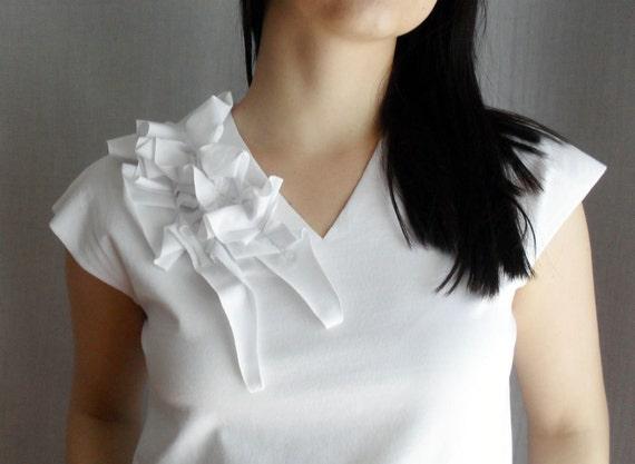 White top tshirt in jersey, short sleeve shirt, tank top, womens top, white ruffle top, short sleeved tshirt