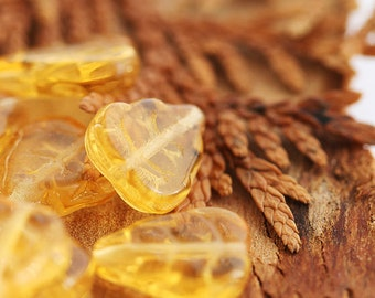 Amber honey Czech glass leaf beads - yellow pressed leaves - 12x10mm - 15Pc - 0204