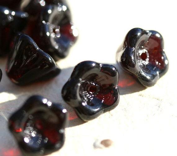 Flower czech Glass beads - Black Ruby red - 8x6mm- 20Pc - 354