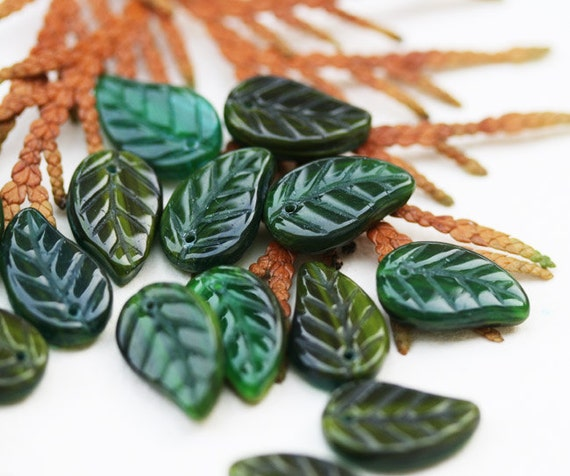 Czech glass leaves - forest green mix color beads - pressed leaf - woodland - 14x9mm - 12Pc - 0405