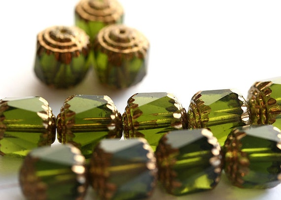8mm Olivine beads, Cathedral czech glass beads, Olive green with gold ends - 15Pc - 2110