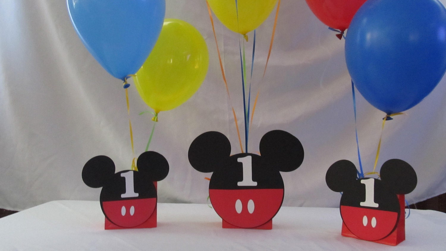 Balloon Weight Centerpiece : Mickey mouse party balloon centerpiece by dreamcometrueparties