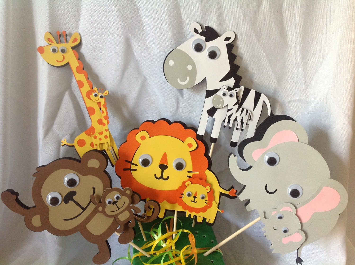 Jungle baby shower by dreamcometrueparties on etsy for Baby shower safari decoration