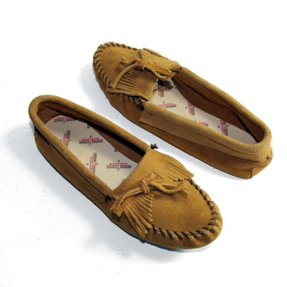 Minnetonka Moccasins with Soft Soles in Dark Sand Suede Leather  with Fringe Tops in Women's size 10