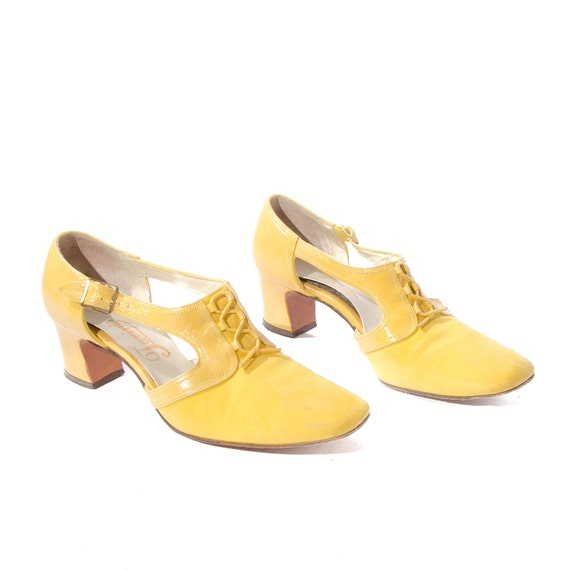 Vintage Sunshine Yellow T Strap Pumps with Corset Lace Fronts for size 8 - 8 1/2