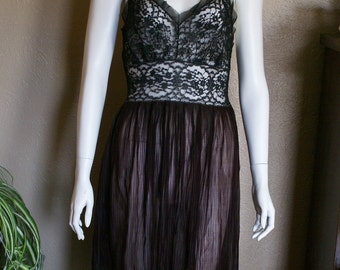 1940's Two-Tone Short Black and Brown Negligee