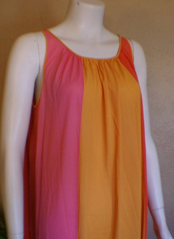Mod Tri Color Nylon Nightgown By Vanity Fair Size By Qsvintage