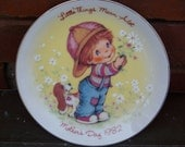 """Vintage AVON """"Little Things"""" 1982 Mother's Day Plate"""