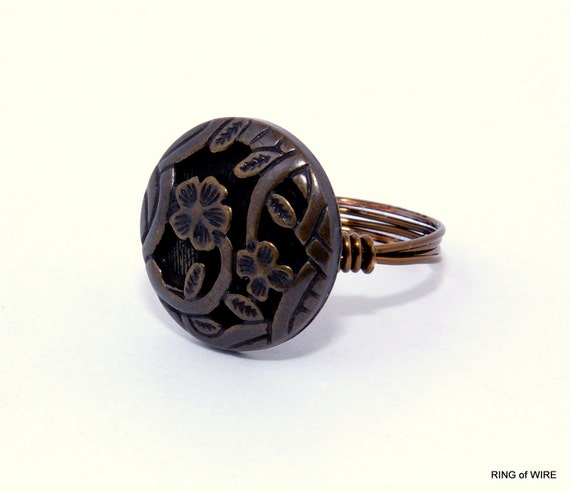 Flower Button Ring with Antique Brass Wire