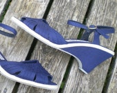 vintage wedge sandals in white & navy blue canvas size 8