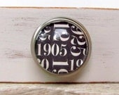 Black White Number Decor Glass and Metal Knob