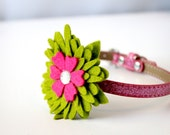 Green Little Bloom Collar Accessory