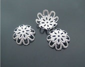 100 pcs 15mm Bright silver double layer laces flowers beads caps a2b119