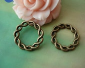 20 pcs 21mm Antique Bronze Wire Wrapped Twisted Round Rings Connectors Charms Pendants g52181a4tg11899
