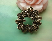 10 pcs 25mm Antique Bronze Vintage Heavy Rose Flowers Garlands with Two Loops And Leaf Charms Pendants g52421