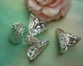 About 50 pcs 16mm White Silver Silvery Cone Hollow Flowers Beads Caps g55031