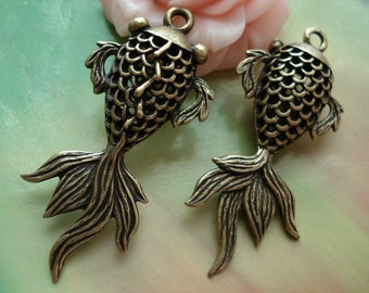 4 pcs 41x20mm Large Antique Bronze Vintage 3D Filigree Goldfish Fish Charms Pendants g32700