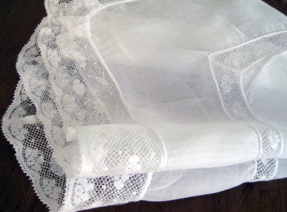 Vintage Wedding Hanky Snow White. Sheer & Flouncy with 2 Rows of Floral Lace. EXCELLENT, Near MINT