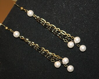 Chained Pearls Earrings