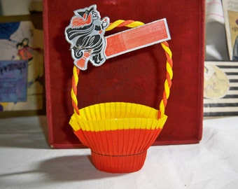 Vintage 1950's Crepe Paper Halloween Nut cup with die cut Witch Riding a Broom unused