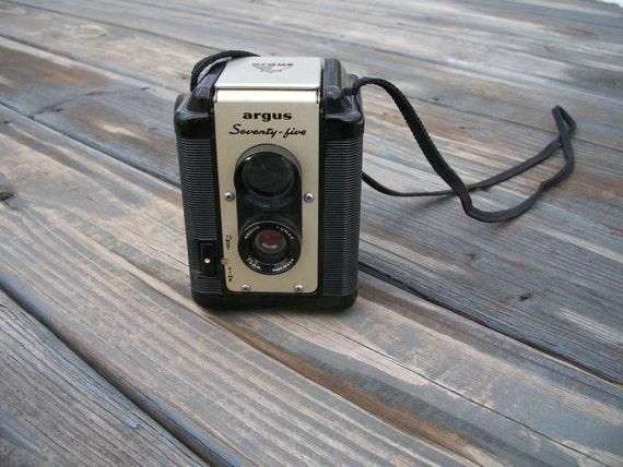 Vintage Argus 75 mm Camera