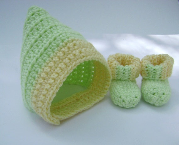 Crochet Baby Newborn Chinstrap Hat and Booties Set