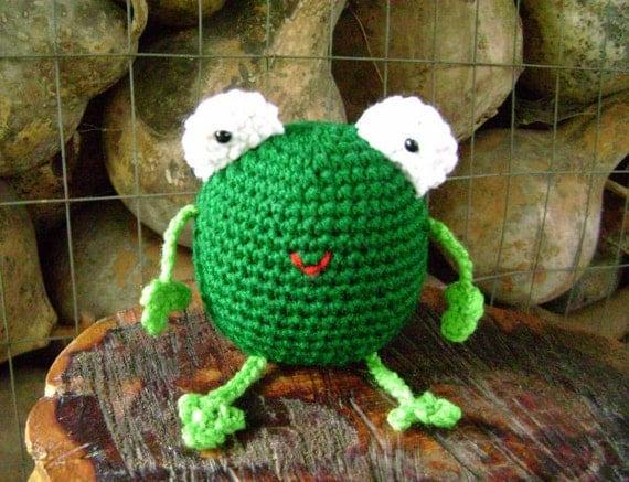 Crochet Toy Amigurumi Green Frog Shelf Sitter Decoration