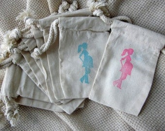 Pregnant Mommy Baby Shower Favors - Mommy to be - Set of 10 Cotton Favor Bags