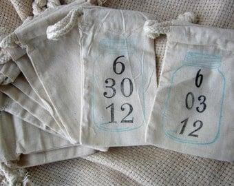 Mason Jar Wedding Favors, 10 Ball Jar or Mason Jar with Date, Cotton Favor Bags