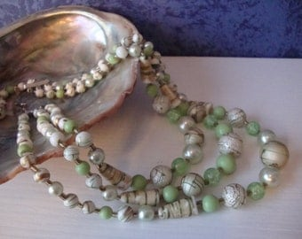 Vintage Milti Strand Necklace Green Beaded Three Strand  Necklace