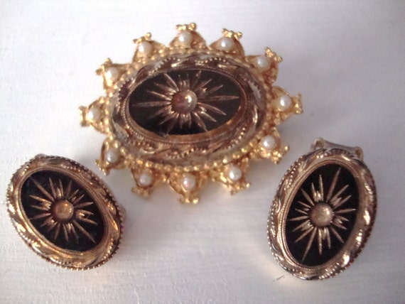 Vintage Gold and Black Brooch Earrings Demi Parure