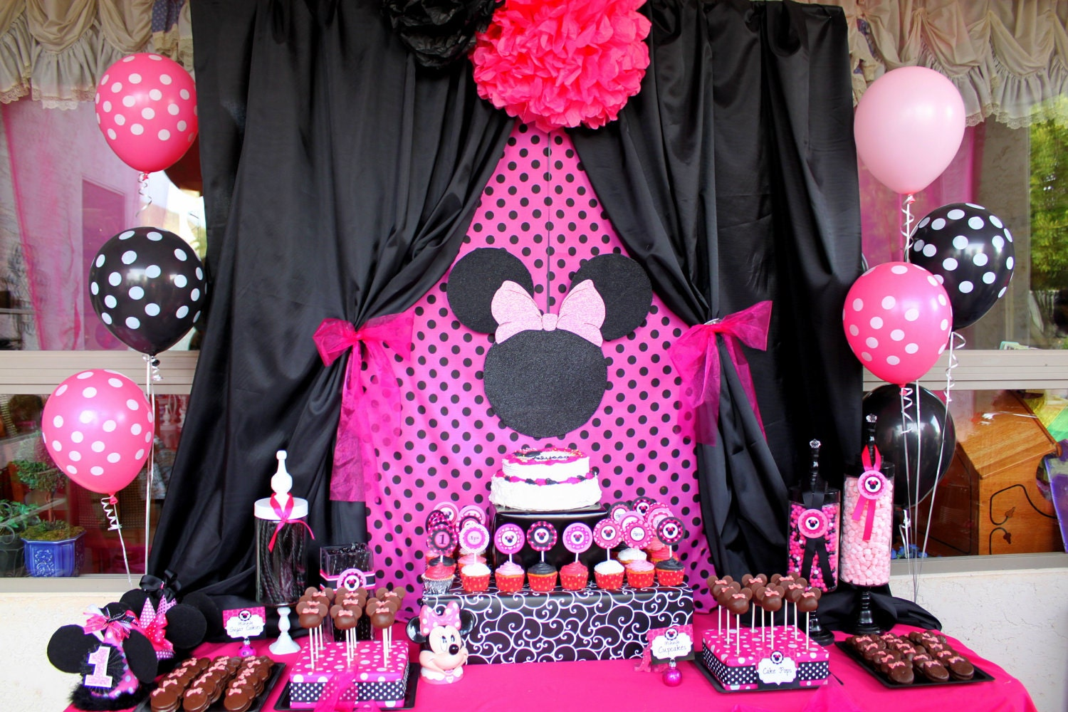 Pink And Black Minnie Mouse Decorations Similiar Red Minnie Mouse Birthday Party Keywords