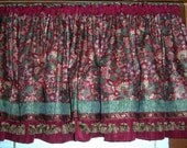 REDUCED!!! - - Wide Cranberry and Green Bamboo Dining Area Valance - 4 FREE Matching Place Mats