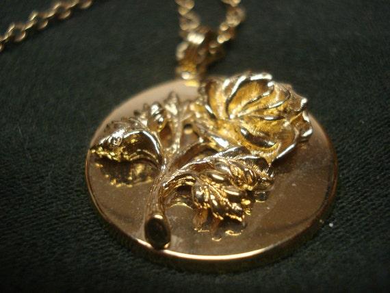 Avon Anniversary Rose Pendant Necklace