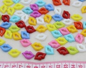 SK0060 Set of 100 pcs -Plastic lips cabochons Cab 18mm mixed