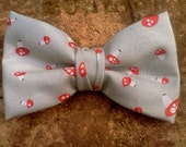 Dandy Retro Toadstool Clip-On Bow Tie
