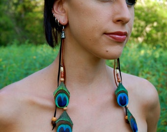 PEACOCK GROOVE Feather and leather Earrings