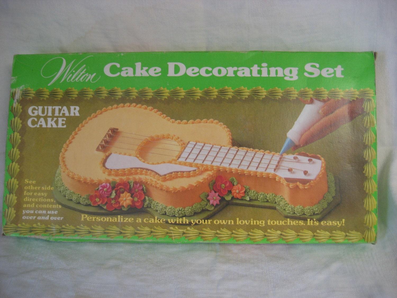 Wilton Cake Decorating Bag Instructions : Wilton Guitar Cake Pan and Decorating Kit Vintage 1970s