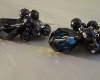 Esperanza Earrings: discontinued swarovski & freshwater pearl