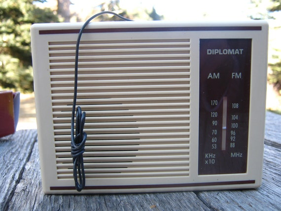 Vintage Diplomat Transistor AM/FM Radio - Transistor Radio