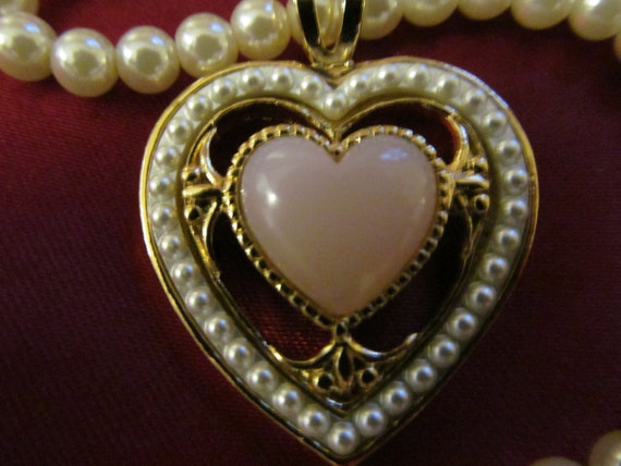 Vintage Pink Quartz Heart Stone Necklace with Faux Pearls and Pink Rose Clip On Earrings