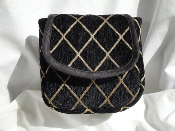 Spacious Black and Gold Diamonds Belt Pouch