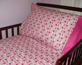 Hello Kitty Baby/Toddler fitted sheet with standard pillowcase pink
