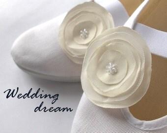 shoes for romantic bride /ballet flats wedding swarovsky svarowsky crystal woman poletsy fashion gift elegant summer comfortable white beige