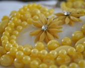 Vintage Sunny Yellow Necklace with Daisy Clip-on Earrings