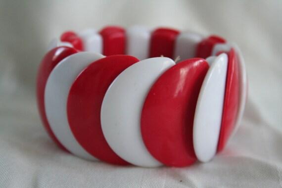 Vintage Plastic Stretch Bracelet
