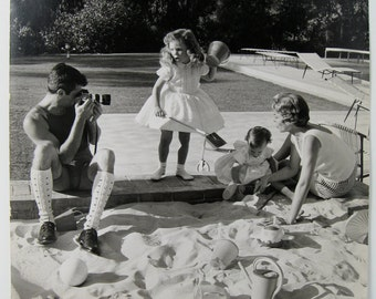 Tony Curtis Janet Leigh with daughters Jamie Lee and Kelly Curtis 11 by 10.5 inch One of a Kind Photo 1960