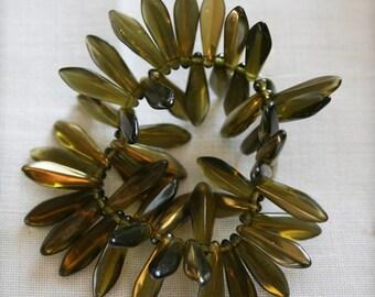 4x15mm . Czech Pressed Glass Daggers . golden olive . 50 beads